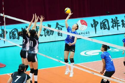 全运女排资格赛A组江苏3-0河北 四连胜锁定出线权