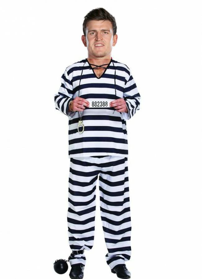 辣眼!曼联第二客场球衣被吐槽太丑:马奎尔囚服