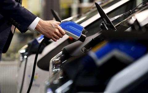 彭博社:中国180亿美元的电动汽车市场洗牌在即