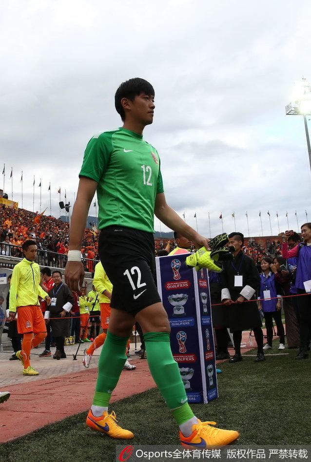 2015年世预赛对阵不丹 颜骏凌首次代表国足出战正式比赛
