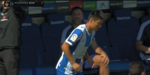 第63分钟,武磊替补登场,然而短短1分钟后,西班牙人球员卡莱尔就