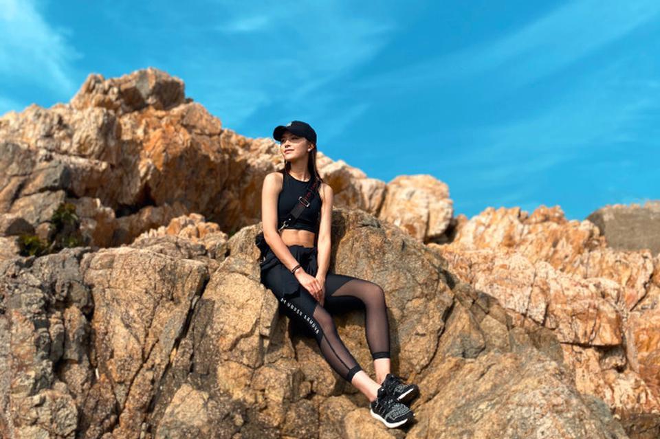 文咏珊爱上爬山 在家休息不忘锻炼