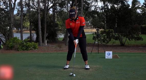 视频-高尔夫教学 阿瑞雅球道木挥杆慢放