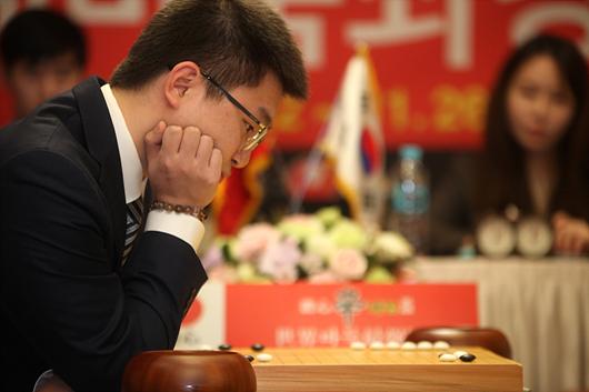 农心杯中国队前卫杨鼎新