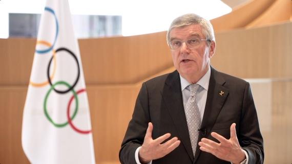 国际奥委会公布的国际奥委会主席巴赫回答有关东京奥运会推迟问题。新华社发