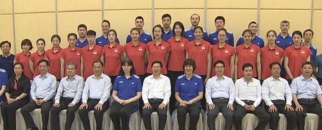 中国女排本年第一张全家福