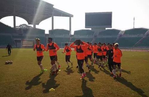 鲁能冬训训练重点向实战转变 热身将迎中甲对手