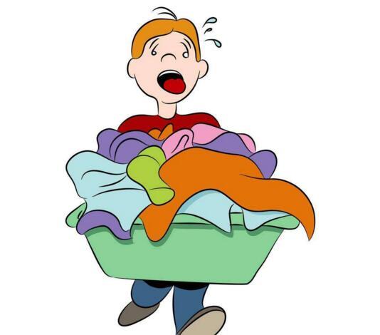 用海绵或棉布直接蘸适量洗涤剂擦拭服装表层,直至起泡,起泡可以加快