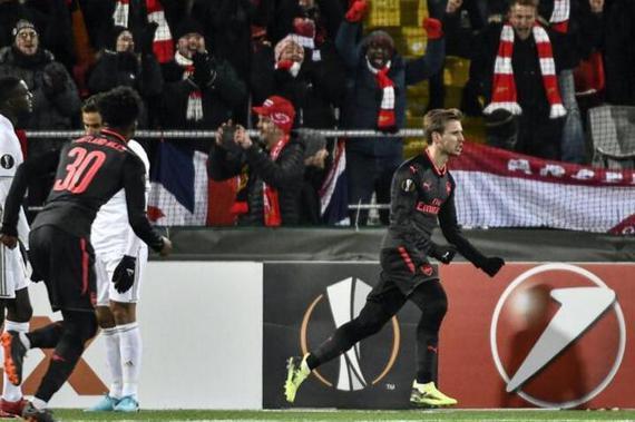 视频集锦-姆希塔良助攻厄齐尔进球 阿森纳三球完胜