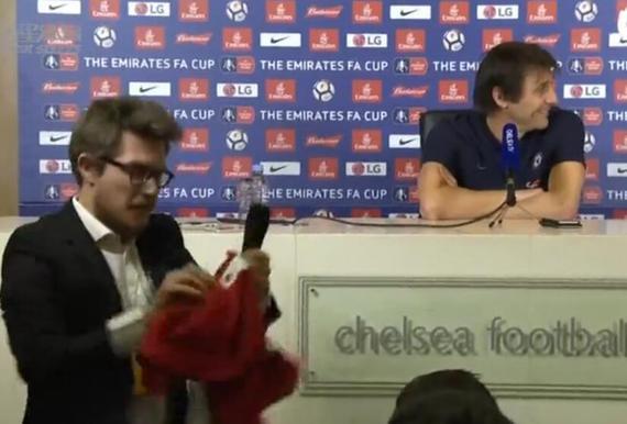 视频-切尔西迎战胡尔城 赛前发布会记者来抢镜