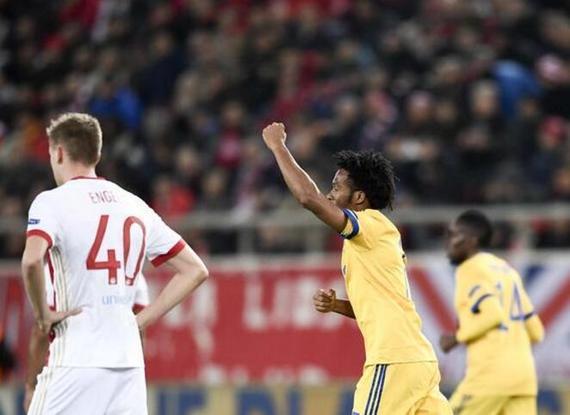 视频-欧冠战报:巴萨主场取胜 尤文晋级淘汰赛