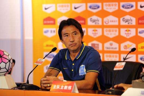 富力日本助教:中国足球走在正确道路 不照搬经验