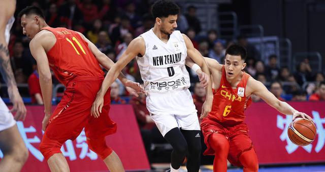 世预赛-男篮蓝队不敌新西兰