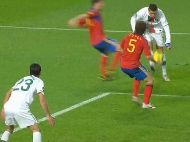视频-C罗vs西班牙神进球被吹 天王怒摔队长袖标