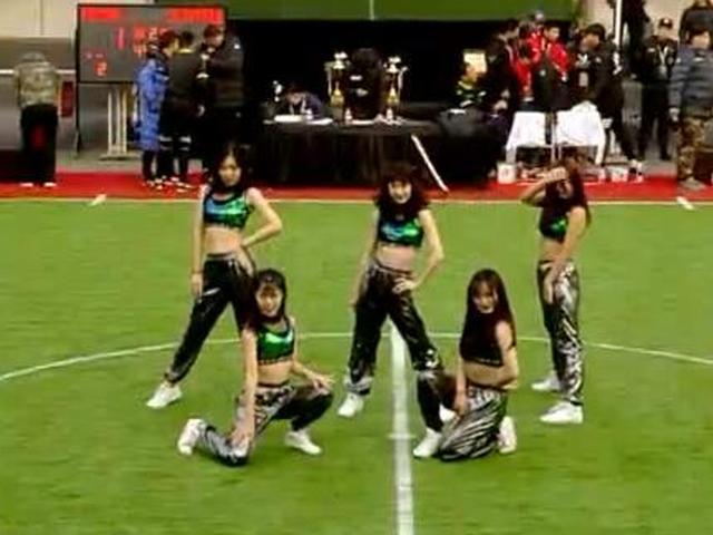 足金半决赛啦啦队热舞
