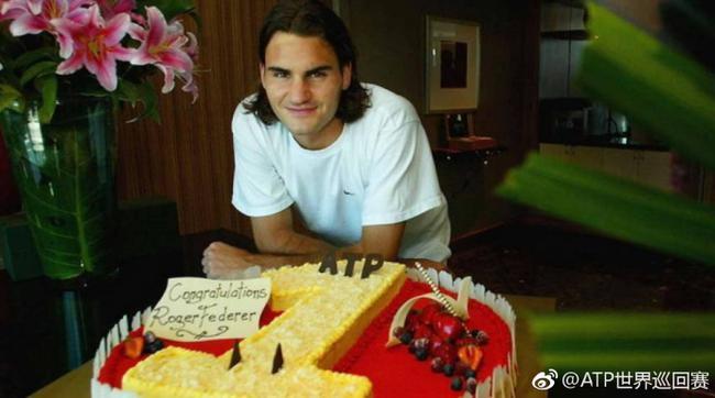 费德勒成ATP最年长NO.1 破阿加西纳达尔两纪录