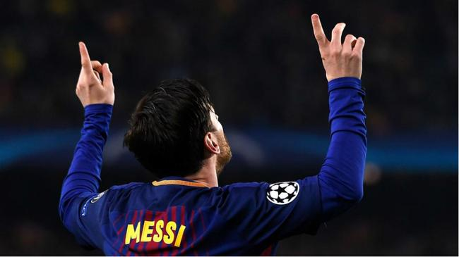 媒体狂吹:足球=梅西+另外21人