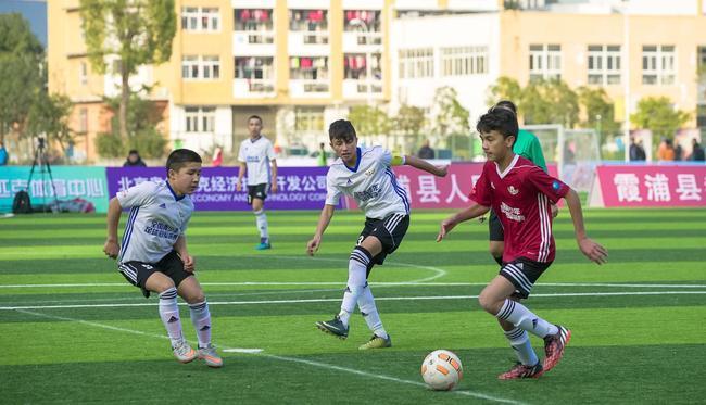 30所校园足球特色学校被摘牌 弄虚作假政绩工程