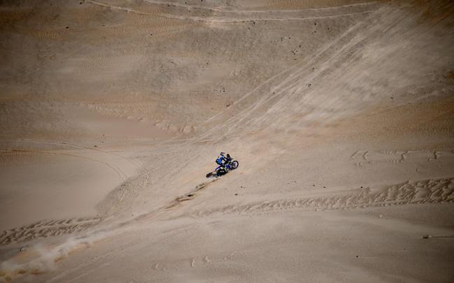 雅马哈车手范-贝伦领跑摩托车组总成绩