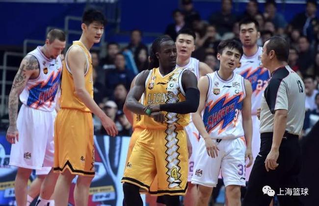 沪媒:连大腿都抱不上了 上海输得没半点脾气