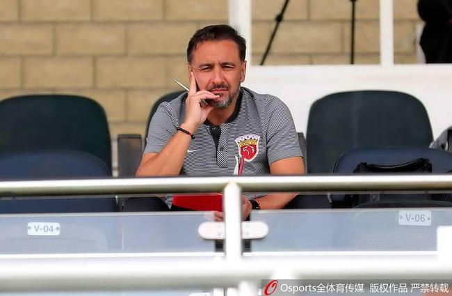 佩雷拉:胡尔克是上港新队长 在努力了解U23球员