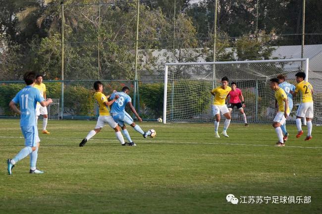 卡佩罗安排苏宁踢内部对抗赛 蓝队点球胜黄队