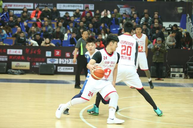 思凯林杯全国男子篮球大奖赛开幕 8支战队鏖战昆山