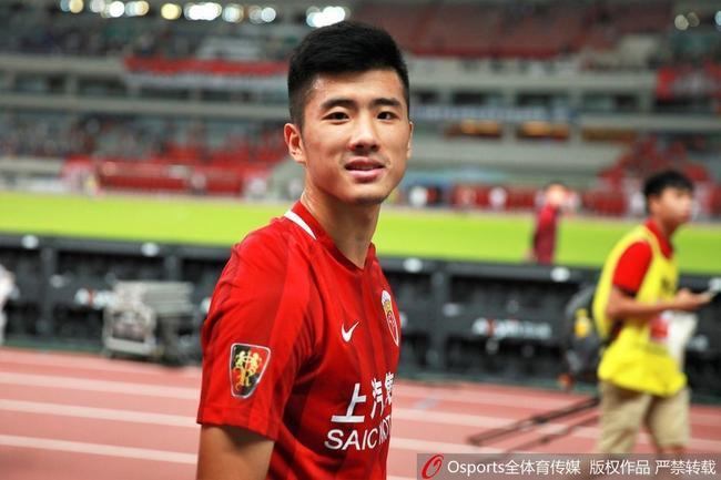 上港前锋:明天的我是中国C罗 退役时想开演唱会