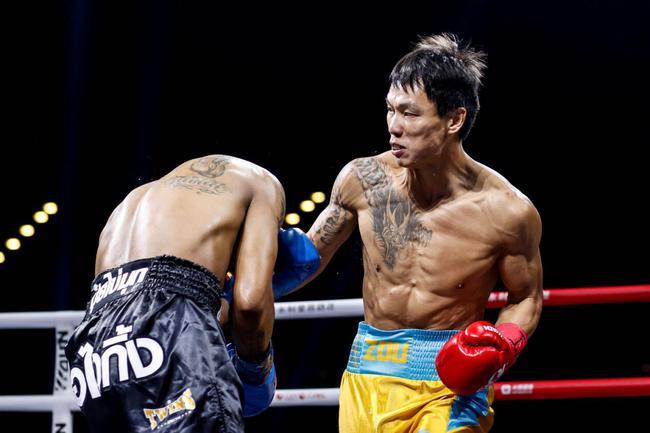 金扬城转折点来自2015年 重返拳台一个月降40多斤