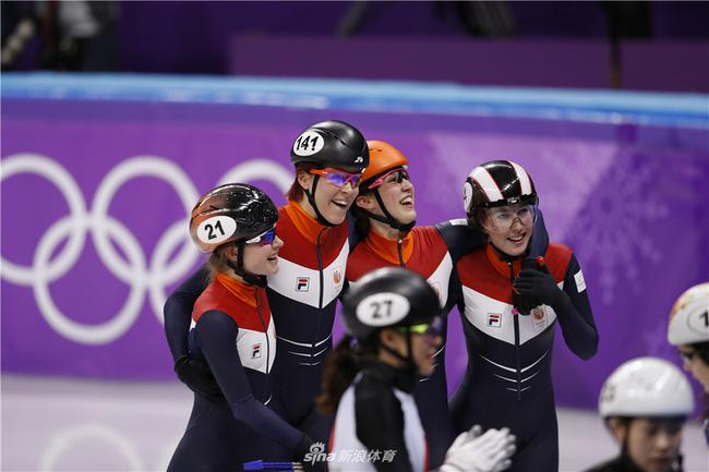 B组决赛的荷兰队打破了世界纪录,获得了铜牌