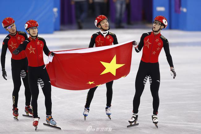 中国接力摘银牌
