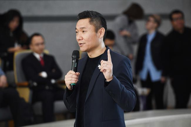 新浪高级副总裁、新浪体育总经理魏江雷在峰会致辞
