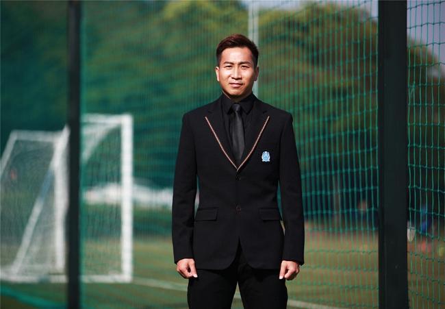 卢琳:非常高兴再获广东足球先生 盼今年三度蝉联