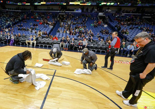 水鸟之名坐实!本季最尴尬事故让NBA比赛延期