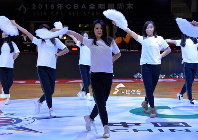 山东啦啦队受邀参加全明星赛 期待小丁卫冕MVP