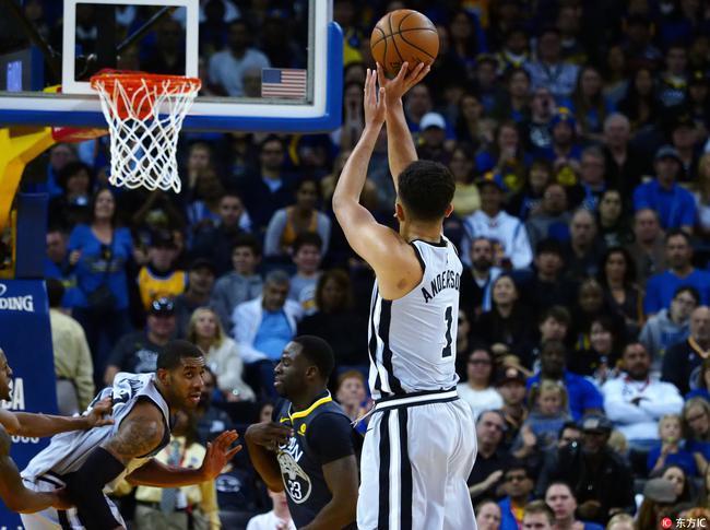 NBA第1奇葩男2次晃飞杜兰特!生涯新高刷的666