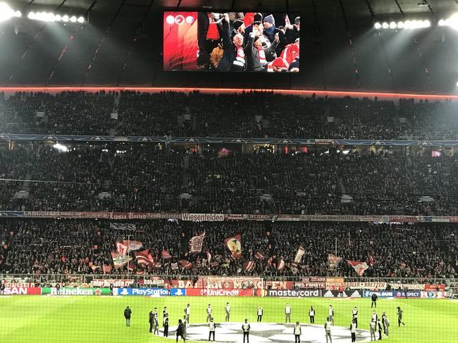 拜仁VS巴黎首发:莱万+里贝里PK卡瓦尼+内马尔
