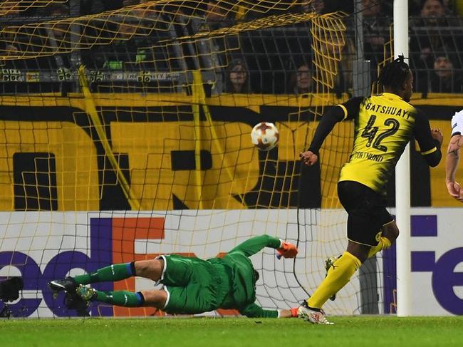 欧联-切尔西租将2球+补时绝杀 格策2传 多特3-2