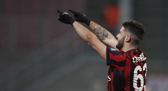 意杯-AC米兰3-0维罗纳