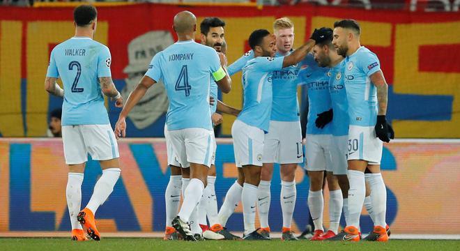 欧冠-阿圭罗传射 铁腰梅开二度 曼城4-0胜