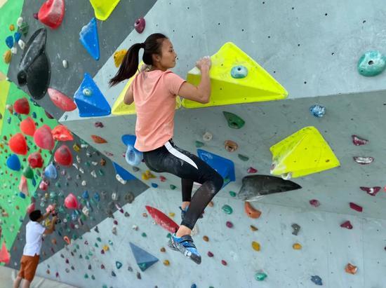 备战十四运 6秒攀登15米,现实版的飞檐走壁!