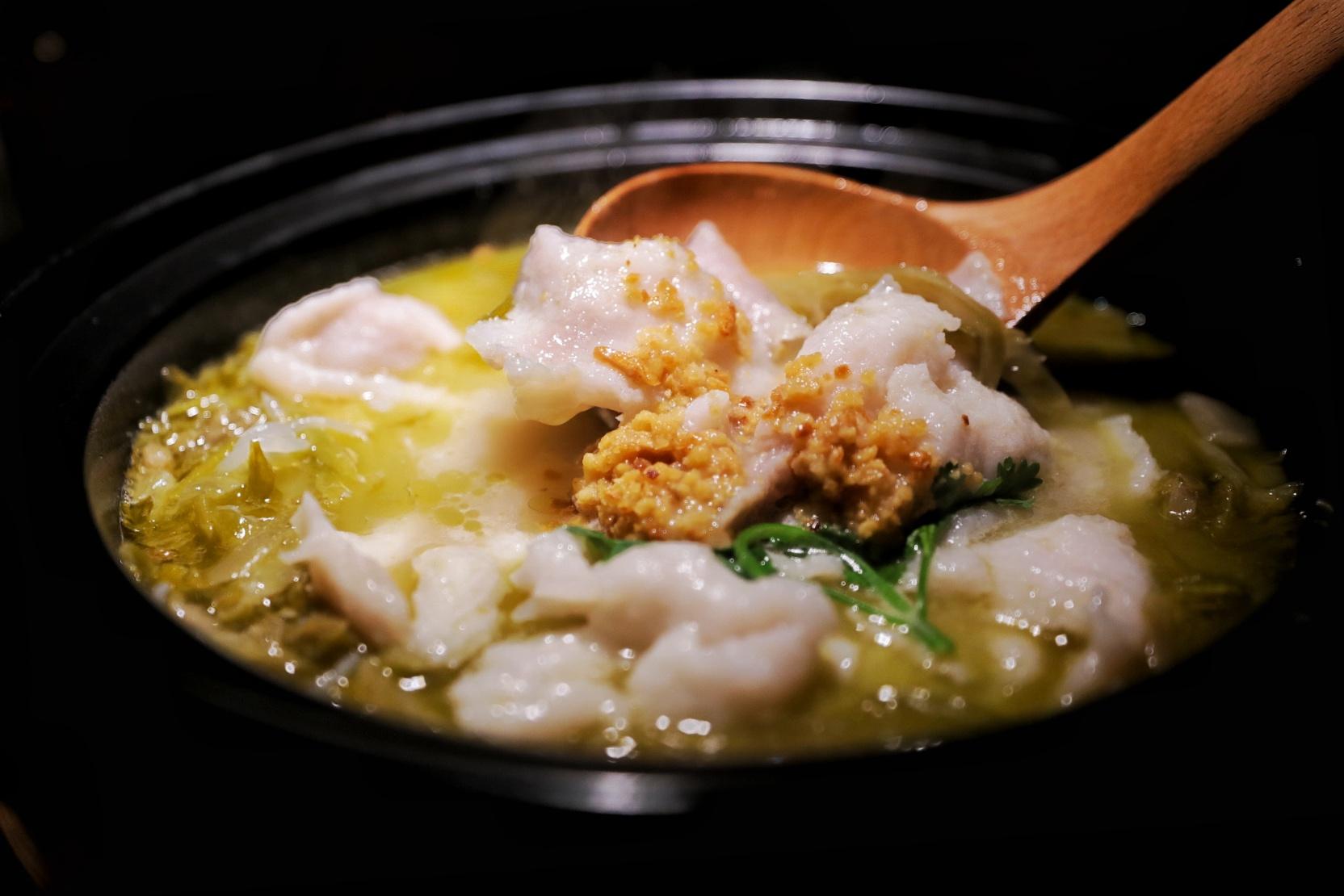 九锅一堂酸菜鱼重磅升级 非遗酸菜会呼吸