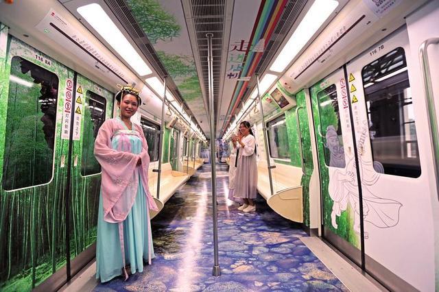 穿越盛唐 西安地铁唐风诗韵文化专列亮相二号线
