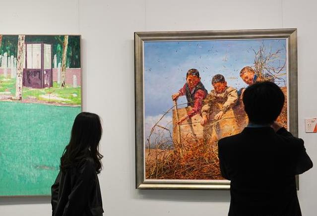 """近500件油画作品亮相""""高原展"""""""