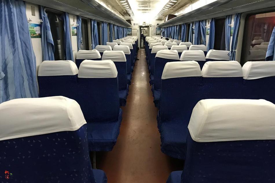 成都至西安普通列车遇冷