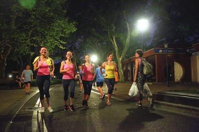 西安市体育局推出9条夜跑线路 引导群众开展健身活动