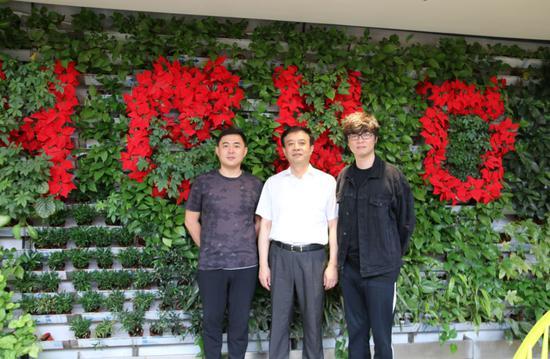 西安常务副市长吕健参访英雄互娱 与应书岭共话西安电竞未来
