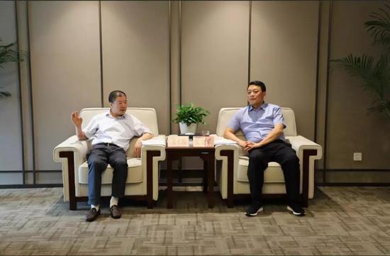 张本新、张宁一行来西咸新区能源金贸区考察座谈