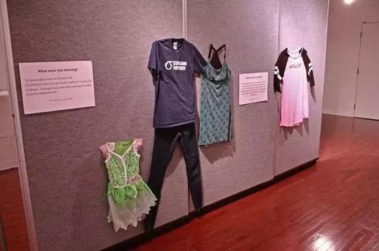 这场展览也不禁让人们重新思考受害者遭遇不幸时的心情和立场。