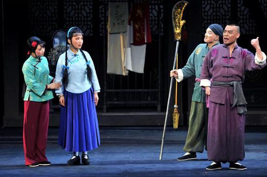 大型秦腔现代戏《易俗社》在兰州音乐厅精彩上演